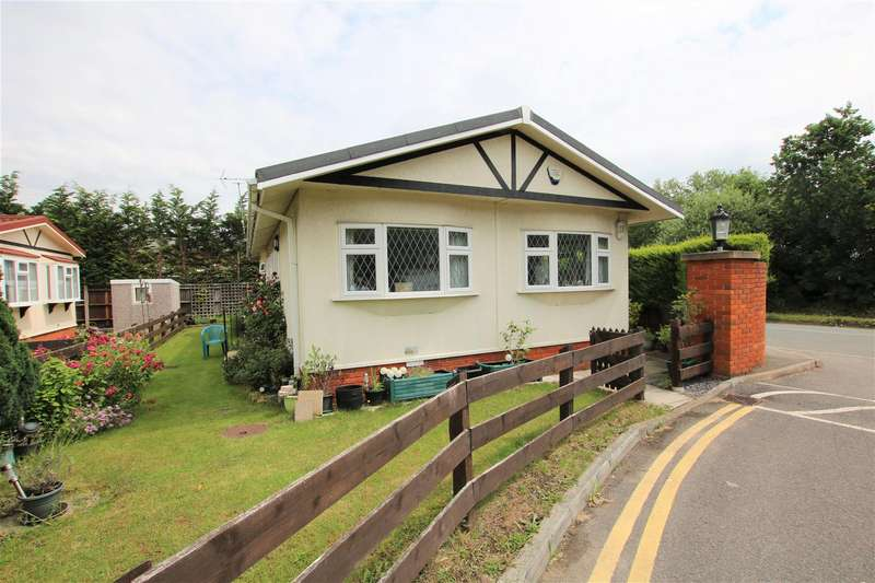 2 Bedrooms Park Home Mobile Home for sale in Fifield Road, Bray, Maidenhead