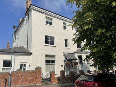 3 Bedrooms Penthouse Flat for sale in NEWNHAM