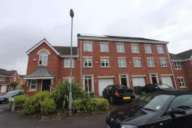 3 Bedrooms Town House for rent in Bannister Road, Leicester