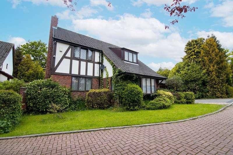 4 Bedrooms Detached House for sale in Avenue Lawns, Leeds, LS17