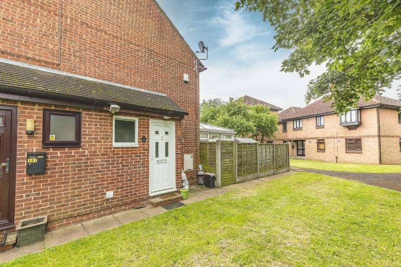 1 Bedroom Terraced House for sale in Vicarage Way, Colnbrook, SL3 0RB