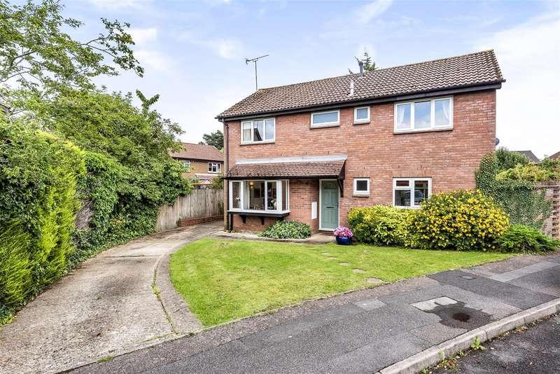 4 Bedrooms Detached House for sale in Opal Way, Wokingham, Berkshire, RG41 3UL