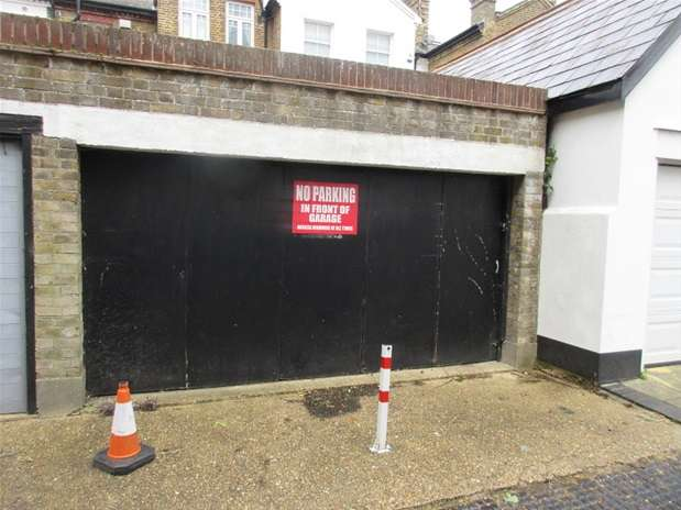 Property for sale in Prittlewell Square, Southend-on-Sea