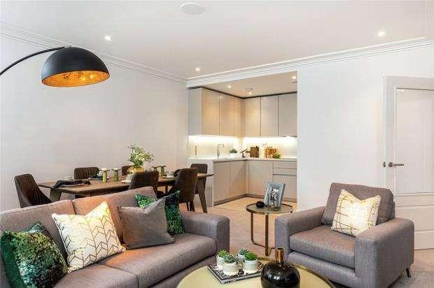 2 Bedrooms Apartment Flat for sale in Taplow Riverside, Taplow, Bucks