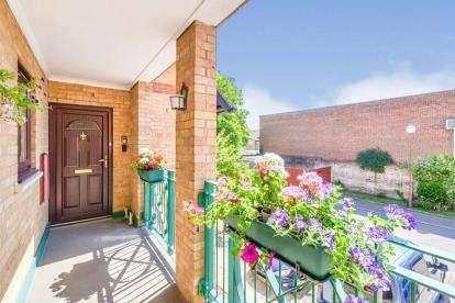 2 Bedrooms Flat for sale in Millers Court, Shortmead Street, Biggleswade, Bedfordshire