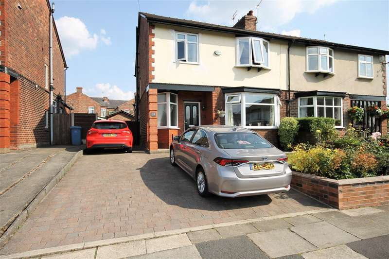 3 Bedrooms Semi Detached House for sale in Grange Drive, Monton, Manchester