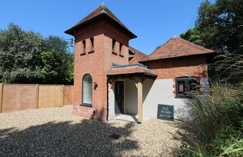 4 Bedrooms Detached House for sale in Maidenhatch, Pangbourne, Berkshire