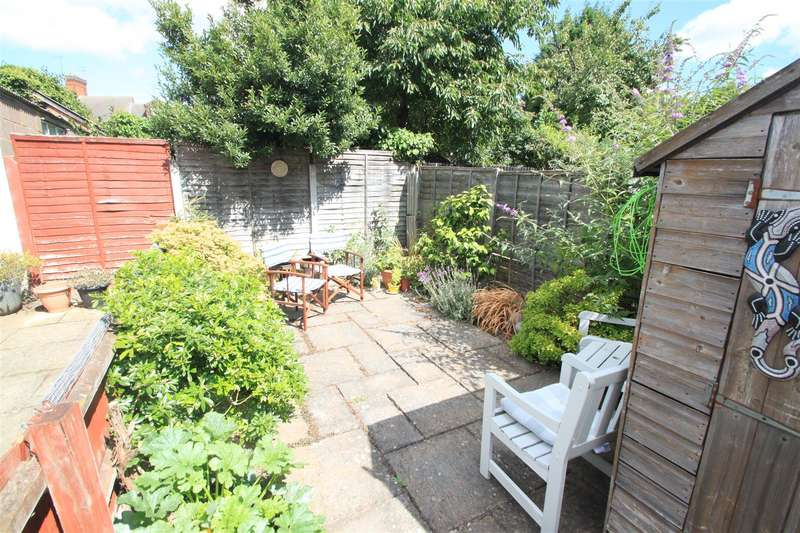3 Bedrooms Terraced House for sale in Davenport Terrace, Hinckley