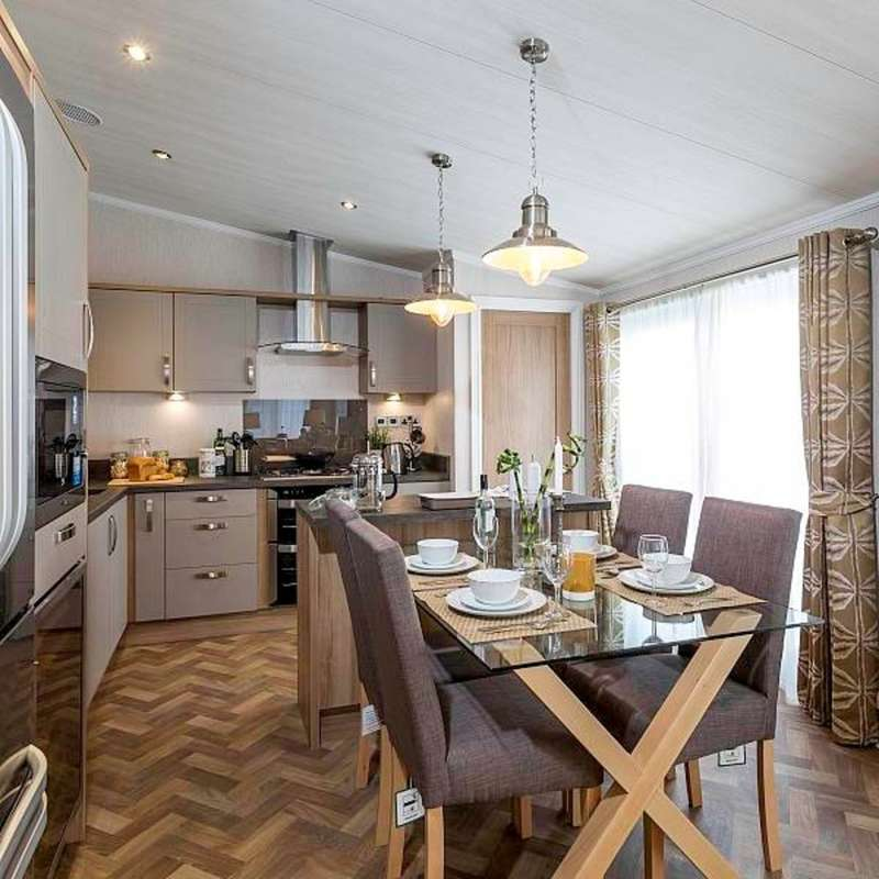 2 Bedrooms Mobile Home for sale in Seaview Avenue