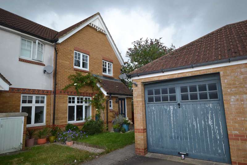 3 Bedrooms End Of Terrace House for sale in Clonmel Close, Caversham