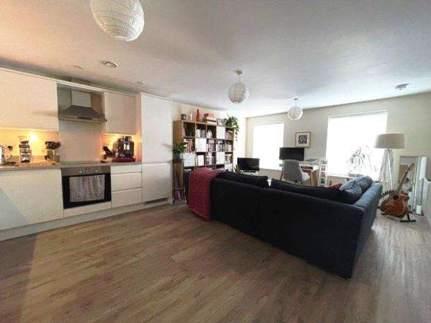 1 Bedroom House for sale in Guildgate House, High Street, Crowthorne