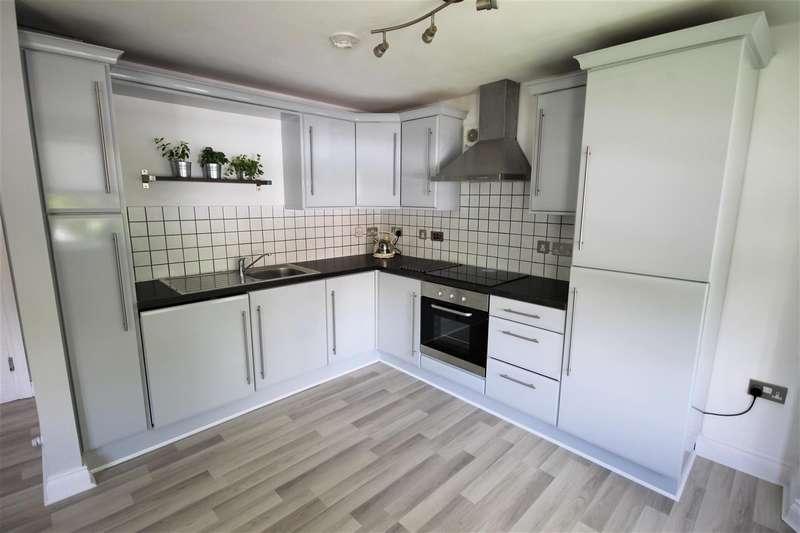 2 Bedrooms Apartment Flat for rent in Monton Court, 103-105 Monton Road