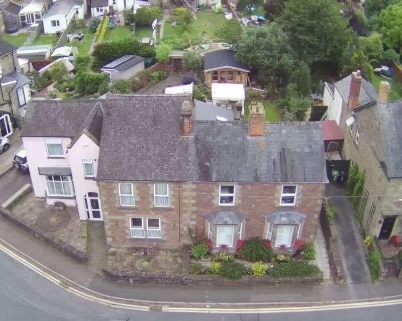 4 Bedrooms Property for sale in Bathurst Park Road, Lydney