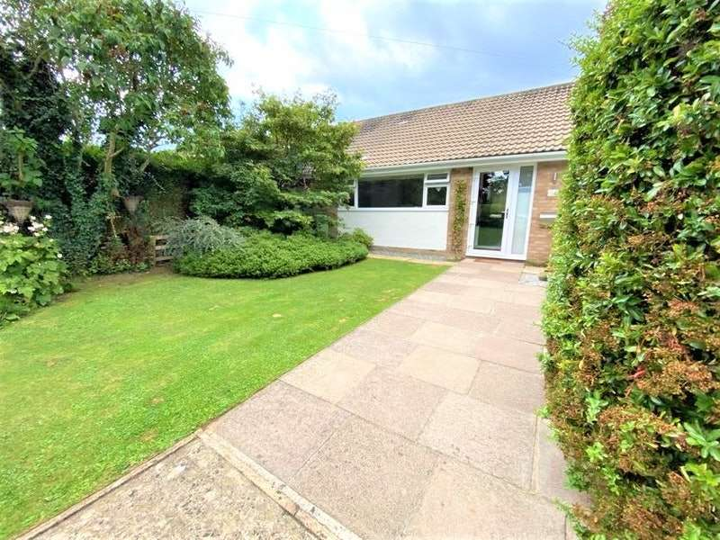 2 Bedrooms Bungalow for sale in Southfield Approach, Cheltenham, Gloucestershire, GL53