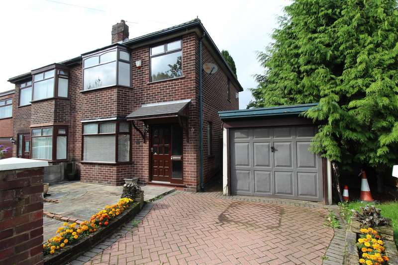 3 Bedrooms Semi Detached House for sale in St Andrews Drive, Springfield, Wigan,WN6 7RQ