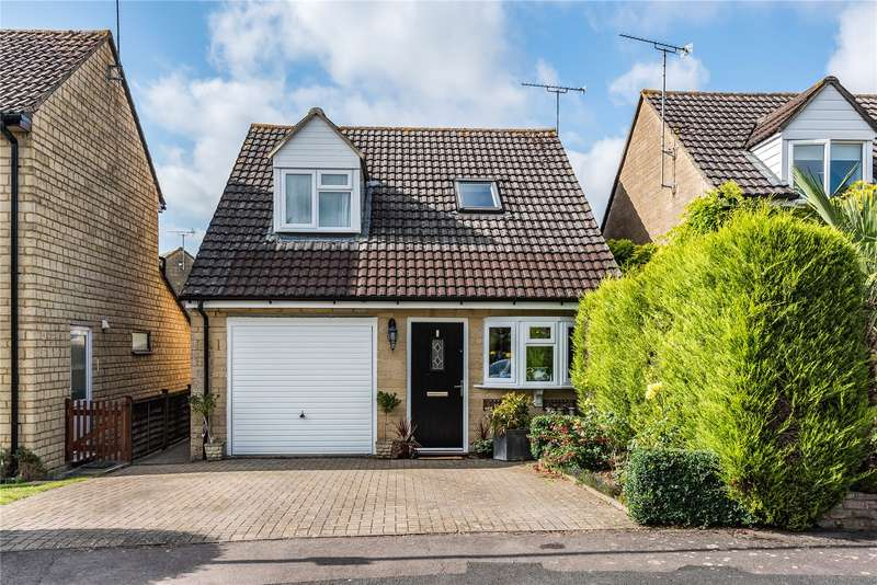 4 Bedrooms Detached House for sale in Pheasant Way, Cirencester, GL7