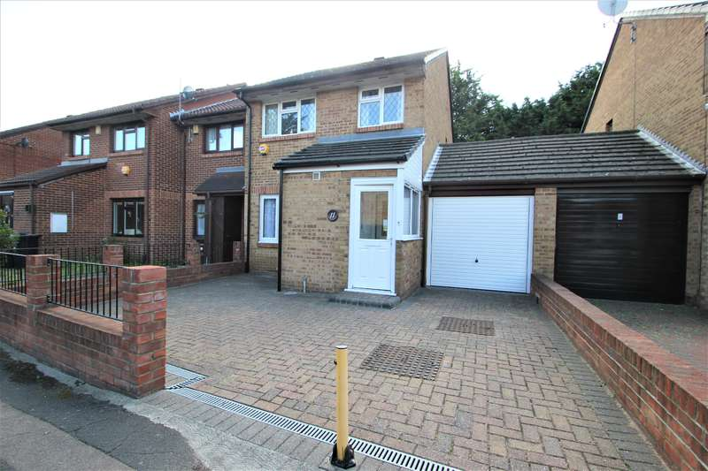 3 Bedrooms End Of Terrace House for sale in Palmer Road, Dagenham