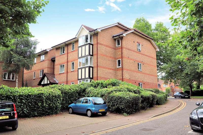 1 Bedroom Flat for sale in Woodland Grove, Epping