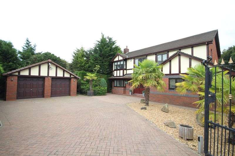 4 Bedrooms Property for sale in BRAEMAR DRIVE, Bury BL9 7PF