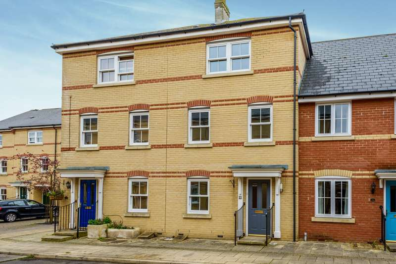 4 Bedrooms Town House for rent in Massingham Drive, Earls Colne, CO6