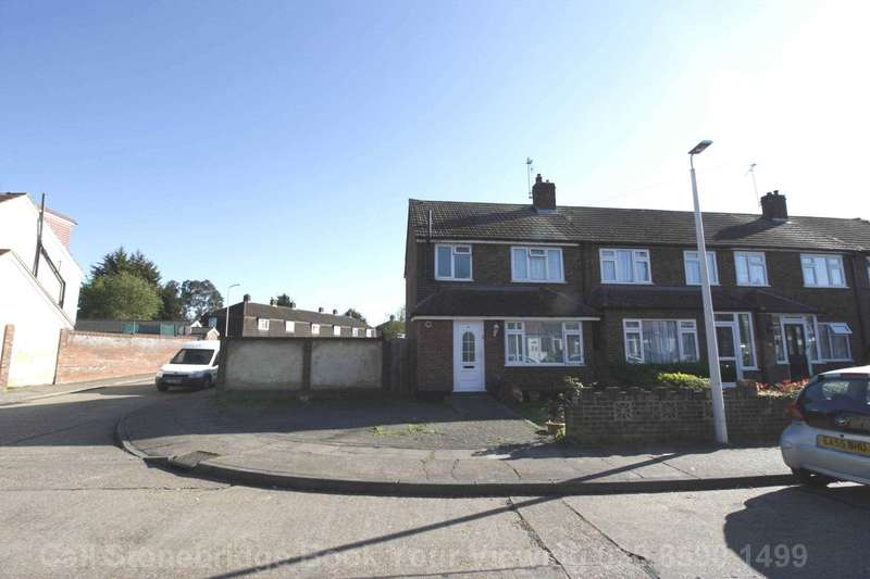 3 Bedrooms End Of Terrace House for sale in Frinton Road, Romford, RM5