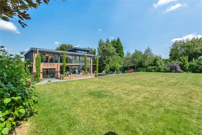 5 Bedrooms Property for sale in Greatfield Drive, Charlton Kings, Cheltenham GL53