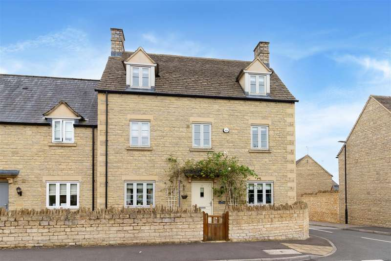 5 Bedrooms House for sale in Moss Way - Cirencester - GL7