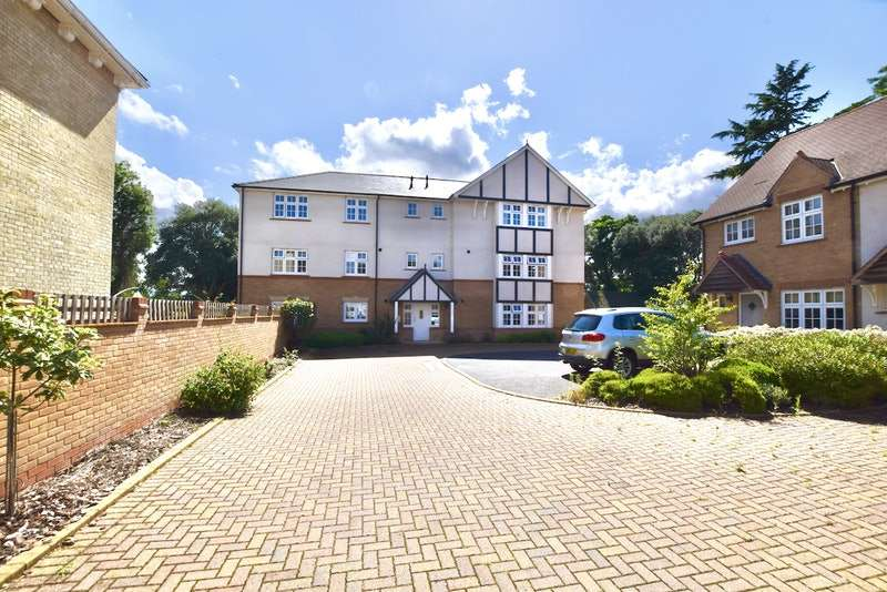 2 Bedrooms Flat for sale in Ruth King Close, Colchester, Essex, CO3