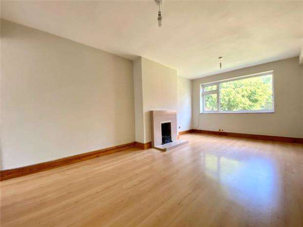 2 Bedrooms Maisonette Flat for sale in Audley Drive, Maidenhead, Berkshire