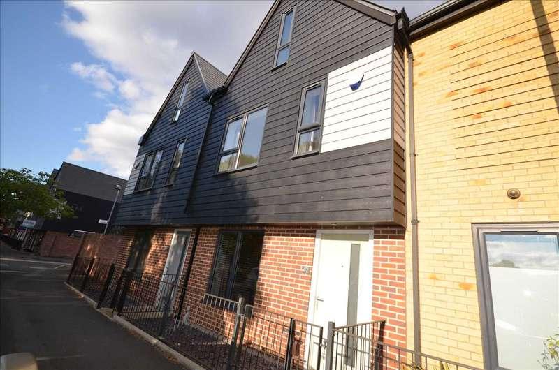 3 Bedrooms Terraced House for rent in Louisa Street, Openshaw