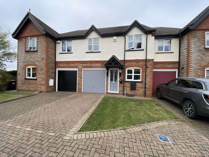 3 Bedrooms Property for sale in Lords Mead, Eaton Bray, Bedfordshire