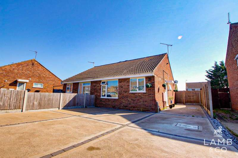 2 Bedrooms Semi Detached Bungalow for sale in Becontree Close, Clacton-On-Sea