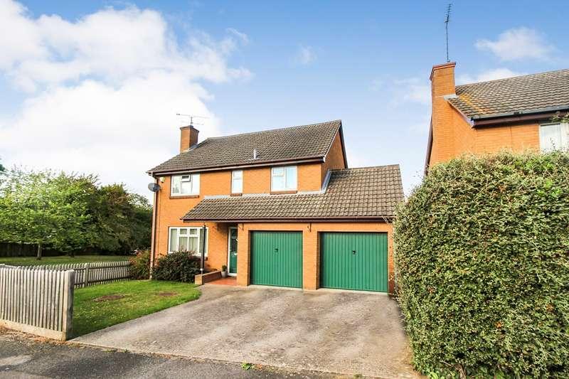4 Bedrooms Detached House for sale in Goodliffe Gardens, Tilehurst, Reading, RG31