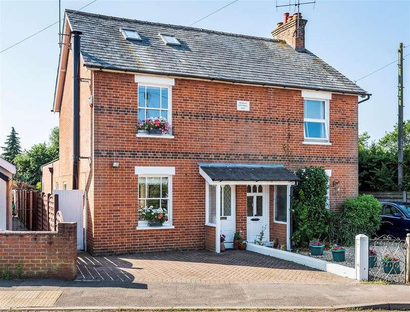 3 Bedrooms Semi Detached House for sale in Evendons Lane, Wokingham, Berkshire, RG41 4AG