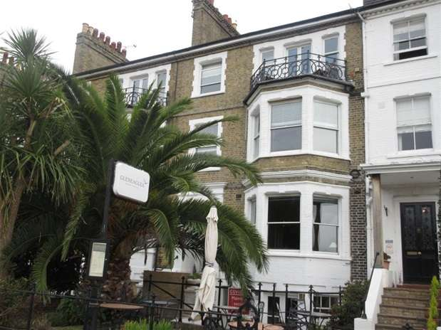 Property for rent in Clifftown Parade, Southend on Sea