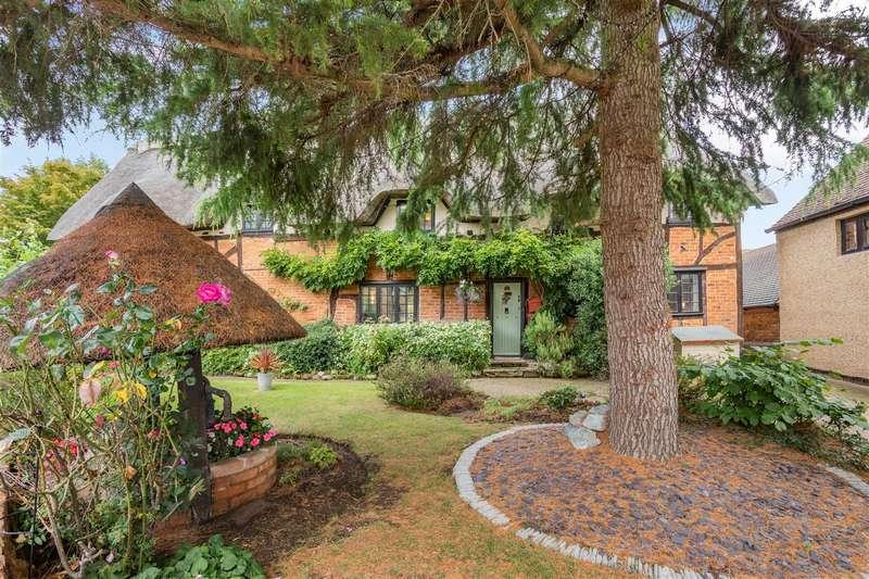 5 Bedrooms House for sale in Ampthill Road, Maulden, Bedford, Bedfordshire, MK45 2DA