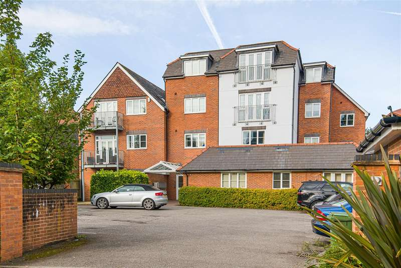 1 Bedroom Apartment Flat for sale in Napier Road, Crowthorne, Berkshire, RG45 7AU