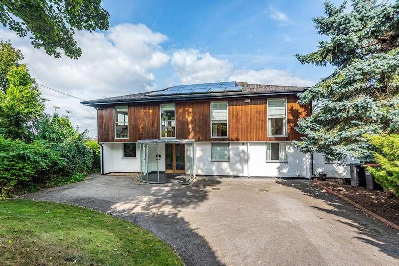 5 Bedrooms Detached House for sale in Park Road, Toddington, LU5
