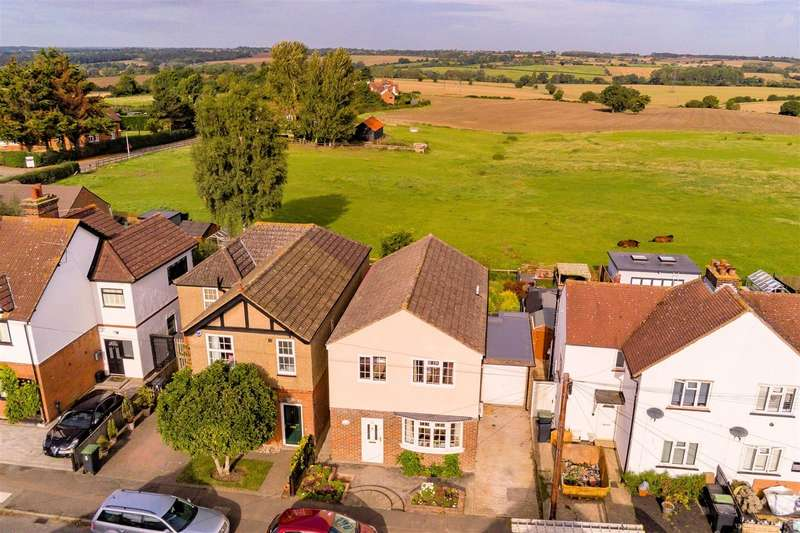 4 Bedrooms Detached House for sale in James Street, Epping