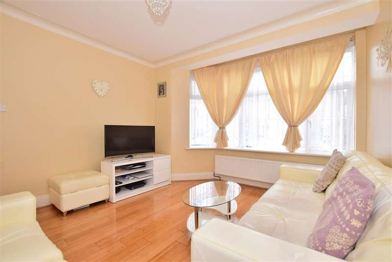 3 Bedrooms Terraced House for sale in Lombard Avenue, , Ilford, Essex
