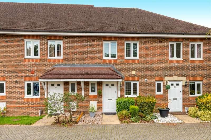 2 Bedrooms Terraced House for sale in Landen Grove, Wokingham, Berkshire, RG41