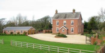 7 Bedrooms Detached House for sale in Grange Farm, Grange Rd, Hambleton