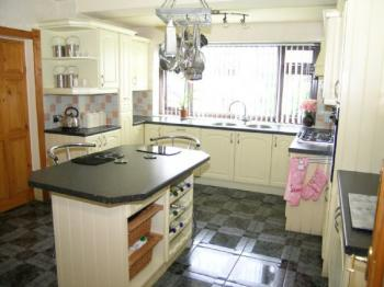 4 Bedrooms Detached House for sale in BOLTON - LITTLE LEVER - NANDYWELL - 4 BEDROOM - 3 RECEPTION ROOM DETACHED