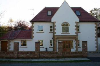 Detached House for sale in Bentley Way, STANMORE