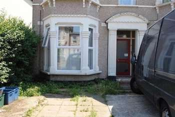 1 Bedroom Flat for sale in Norfolk Road, Ilford