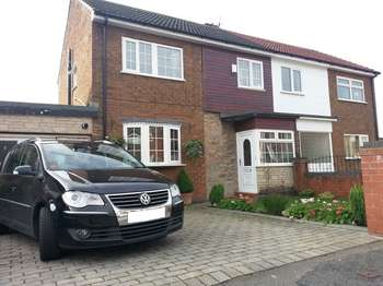 3 Bedrooms Semi Detached House for sale in St Stephen Road, Warrington