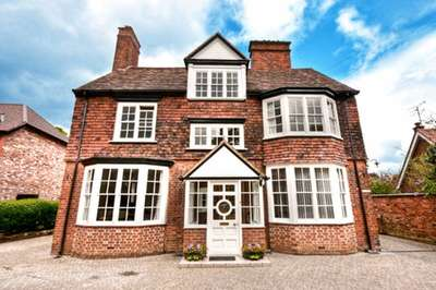 6 Bedrooms Detached House for sale in Maltmans Road, Lymm