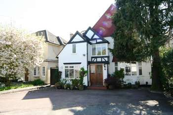 6 Bedrooms Detached House for sale in Brockley Close, Stanmore