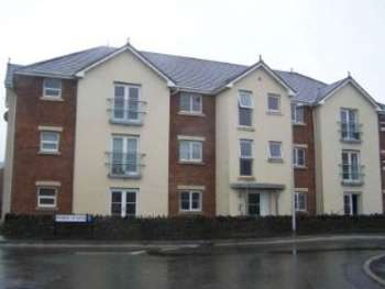 1 Bedroom Ground Flat for sale in Modern 1 bed apartment with no chain, furnished to a high standard for sale in Gorseinon