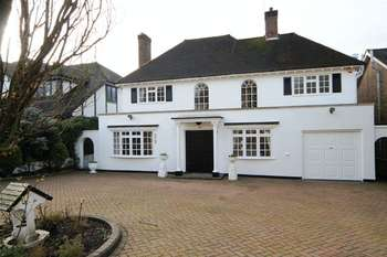 5 Bedrooms Detached House for sale in Adelaide Close, Stanmore